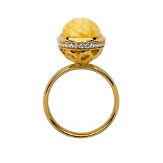 Beautiful, elegant amber ring by NAC Amber, design: Marcin Wesolowski