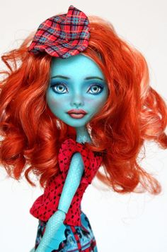 """Lorna"" a Lorna McNessie Monster High Repaint"