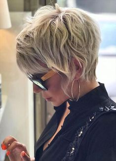 Short Shag Hairstyles, Short Pixie Haircuts, Edgy Haircuts, Short Hair With Layers, Edgy Short Hair, Short Hair Cuts For Women Pixie, Fat Girl Short Hair, Edgy Pixie Cuts, Sassy Hair