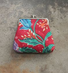 Double frame purse in elegant floral fabric by MESIMU on Etsy