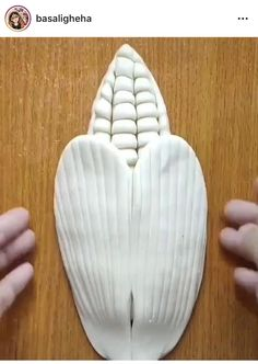 Food Crafts, Diy Arts And Crafts, Hobbies And Crafts, Cake Decorating Videos, Cake Decorating Techniques, Bolo Barbie, Pastry Design, Bread Shaping, Creative Food Art