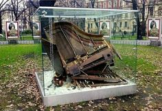 Chopin's Piano, Installation in Planty Park in Krakov with stereophonic music