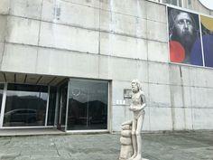 Museo del alemán. Statue, Death, Museums, Sculpture, Sculptures