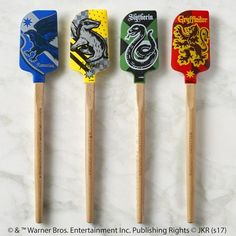 HARRY POTTER™ HUFFLEPUFF™ Spatula