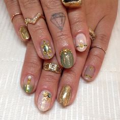 Sparkly earth tones for Dacia  #nailart #nails #gelmanicure #iridescent #glitter #sparklesf #naturalnails
