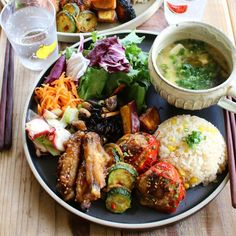 Asian Recipes, Healthy Recipes, Plate Lunch, Food Decoration, Home Food, Aesthetic Food, Food Presentation, Food Plating, Japanese Food