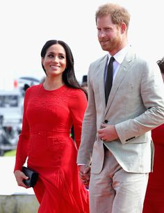 Here's What We Know About Prince Harry and Meghan Markle's Netflix Deal | Vogue Meghan Markle Prince Harry, Prince Harry And Megan, Harry And Meghan, Prince William And Kate, Prince Harry 2016, Meghan Markle Photos, Crimson Dress, Prinz Charles, Suits Actress