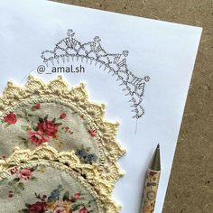 Diy Crafts - Crochet edge on circular coasters Crochet Edging Patterns, Crochet Lace Edging, Crochet Fabric, Crochet Borders, Crochet Chart, Crochet Home, Crochet Doilies, Easy Crochet, Crochet Flowers