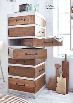 80 Awesome DIY Projects Pallet Shelves and RacksNew DIY Pallet Projects and I Wood Pallet Projects Awesome DIY Pallet Projects RacksNew Shelves Diy Pallet Furniture, Diy Pallet Projects, Home Projects, Pallet Ideas, Pallet Dresser, Wooden Furniture, Antique Furniture, Pallet Chair, Shed Furniture Ideas