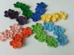 'Mimi Crochet Flowers' is going up for auction at  6pm Tue, Jul 2 with a starting bid of $2.