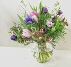 Bouquet champêtre anémones et tulipes www.lapetiteboutiquedefleurs.fr