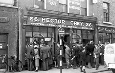 Hector Grey's was a well known Dublin toy shop. Memories of childhood. Ireland Pictures, Images Of Ireland, Old Pictures, Old Photos, Dublin Street, Dublin City, Cork Ireland, Dublin Ireland, Irish Independence