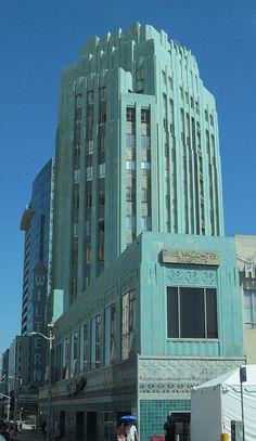 Amazing Architecture, Architecture Design, Streamline Moderne, Art Deco Home, Building Art, Z Arts, Art Deco Period, Art Deco Furniture, Advertising Design