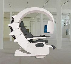 One day this will be in my house!!!    Ladies and Gentlemen...THE EMPERORS GAMING CHAIR....*drool*