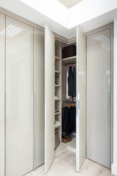 Hinged Wardrobe Doors, Wardrobe Wall, Wardrobe Design Bedroom, Wardrobe Cabinets, Built In Wardrobe, Wardrobe Ideas, Bedroom Decor, Corner Closet, Corner Wardrobe