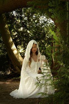 Robes de mariée 2014 Loire Atlantique, Picardie, Bretagne: Robe de mariée elfique - Robe de mariée féérique