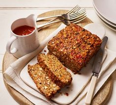 Nut Roast: satisfying vegetarian loaf with lentils, chestnut mushrooms and cheese, complements all the classic roast dinner trimmings Bbc Good Food Recipes, Veggie Recipes, Vegetarian Recipes, Cooking Recipes, Vegetarian Cooking, Recipes Dinner, Yummy Veggie, Veggie Meals, Vegetarian Dinners