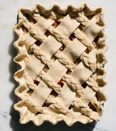 it's friyay and im baking a pie this weekend (not this one but another one!) you should bake up this cuz it's a rhubarb and pear slab pie and it's Pie Dessert, Dessert Recipes, Tart Recipes, Cooking Recipes, Beautiful Pie Crusts, Pie Crust Designs, Pie Decoration, Slab Pie, Pie Pie