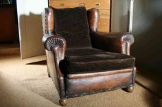 Very Large Leather Club Chair Leather Club Chairs, Antique Interior, Wingback Chair, Vintage Furniture, Accent Chairs, Design Inspiration, Pure Products, Interior Design, French