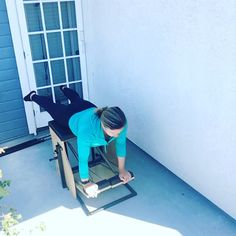 pilates workout videos Chair Pilates back workout Pilates Video, Pilates Workout Routine, Pilates Body, Pilates For Beginners, Pilates Reformer, Workout Plans, Pilates At Home, Pilates Studio, Pilates Classes