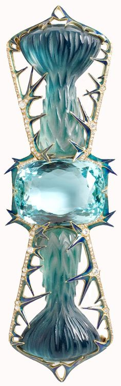 dejavuteam:  René Jules Lalique1. Corsage ornament 1905 V&A2. Tiara-comb 1903-4 V&A3. Ring 1901-3 Met museum4. Necklace1897-99 al Metropolitan Museum