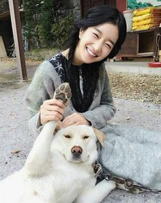 Two puppies in one picture Funny Animal Memes, Korean Actresses, Celebs, Celebrities, Powerful Women, One Pic, Asian Beauty, Character Inspiration, My Idol