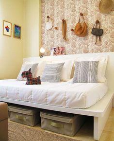 Como decorar e aproveitar cada cantinho de um quarto pequeno Entryway Bench, Storage, Ideas, Furniture, Home Decor, Bedrooms, Round Couch, Shared Bedrooms, Cool Beds