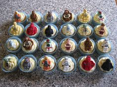 Geek Art Gallery: Sweets: Minifig Cupcakes