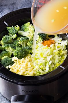 Anti-Inflammatory Broccoli, Ginger and Turmeric Soup (Slow Cooker)