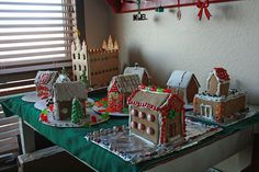 gingerbread houses 2011 04