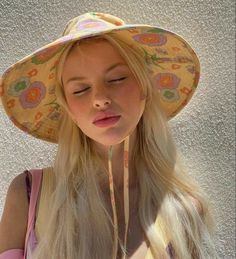 Summer Girls, Summer Time, Summer Dream, Spring Time, Retro Floral, Pastel Floral, Summer Aesthetic, Aesthetic Pastel, Mode Outfits