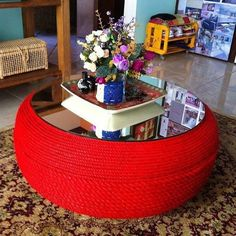 Resultado de imagen para tire table with rope and feet Tire Furniture, Recycled Furniture, Home Crafts, Diy Home Decor, Diy And Crafts, Tire Table, Tire Ottoman, Tire Craft, Tyres Recycle