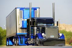 Peterbilt in Blue