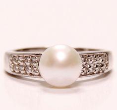 Zenzhu's Elaborate Freshwater Pearl Ring