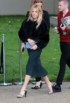 Sienna Miller wearing Burberry to the Burberry Prorsum show #BestDressed | styloko.com