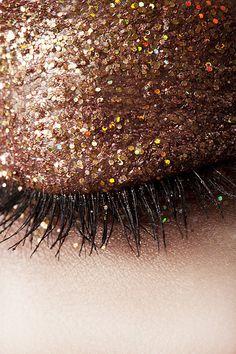 Glitter eyelid