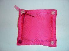 Schmuckaufbewahrung - Steckkissen für Broschen - ein Designerstück von hofatelier-mode bei DaWanda