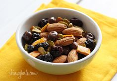 Easy Trail Mix Recipe + Tips on Making School Lunches Healthy and Fun For Kids | Skinnytaste
