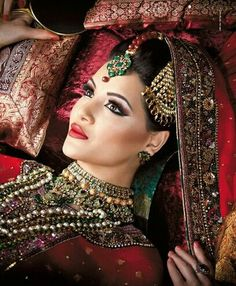 Indian Bridal make up and jewels.