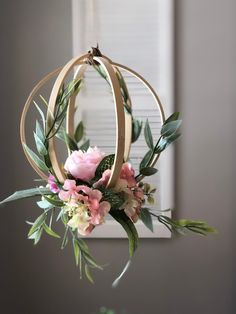 Embroidery hoop peony and greenery hanging wedding decor for weddings. Greenery and minimalism are trendy for 2019 weddings. Put this in your modern wedding decor trends file pinners. Flower Decorations, Wedding Decorations, Wedding Wreaths, List Of Flowers, Floral Hoops, Deco Floral, Art Floral, Paper Flowers, Boho Flowers