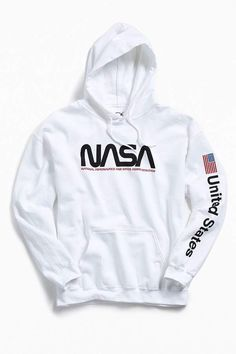 Urban Outfitters NASA Hoodie Sweatshirt You are in the right place about NASA hoodie white Here we offer you the most beautiful pictures about the NASA hoodie outfit you are looking for Hoodie Outfit, Urban Outfitters, Hoodie Sweatshirts, Hoody, Pull Nasa, Casual Outfits, Cute Outfits, Fashion Outfits, Emo Outfits
