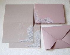 Mögen sie Papier? Ich liebe Papier in seiner ganzen Vielfalt, insbesondere Büttenpapiere aus aller Welt. Diese Papiere haben einen eigenen Charakte...