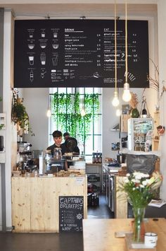 Berlin Travel & Coffee Guide- Berlin Travel & Coffee Guide You& welcome! Coffeehouse Berlin Kreuzberg Café with Greek specialties - Restaurant Design, Decoration Restaurant, Deco Restaurant, Restaurant Ideas, Pub Decor, Restaurant Interiors, Cozy Coffee Shop, Small Coffee Shop, Coffee Shops