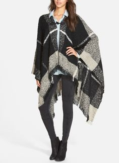 Obsessing over this plaid blanket poncho to stay warm, stylish and comfortable this fall.