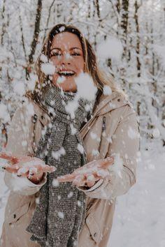Werbung/unbezahlt - I had such a great time shooting with Vanessa Steiner, Kaiserslautern @vhotografie <3 #shooting #snow #portrait #photooftheday #perfect #portraitphotographyposes #picoftheday #instagram Plus Size Inspiration, Kaiserslautern, Portrait Photography Poses, Winter Wonderland, Winter Jackets, Snow, Couple Photos, Fun, Instagram