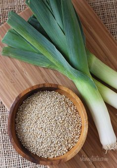 Why wouldn't this be good? I will try it!  From www.skinnytaste.com.  Irish oatmeal leek soup.