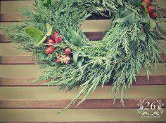 fotogalerie – Květinový Ateliér 26 Grapevine Wreath, Grape Vines, Christmas Wreaths, Floral Wreath, Holiday Decor, Home Decor, Atelier, Floral Crown, Decoration Home