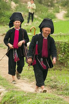 portrait of a Black Yao women near Tam Duong in Vietnam | Flickr - Photo Sharing!                                                                                                                                                     More