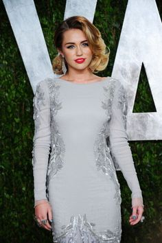 This may be the best I've ever seen her look. Miley Cyrus @ Vanity Fair Oscar Party 2012.