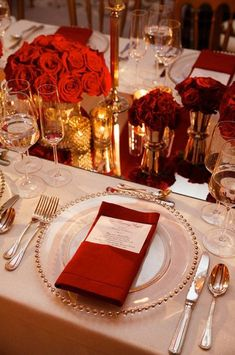 Beautiful Tablescape Ideas for Valentine's Day Weddings